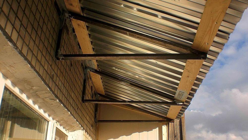 Сделать крышу на балконе своими руками