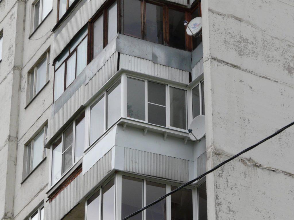"""Остекление балконов и лоджий в п-44 (сапожок) в москве """" цен."""