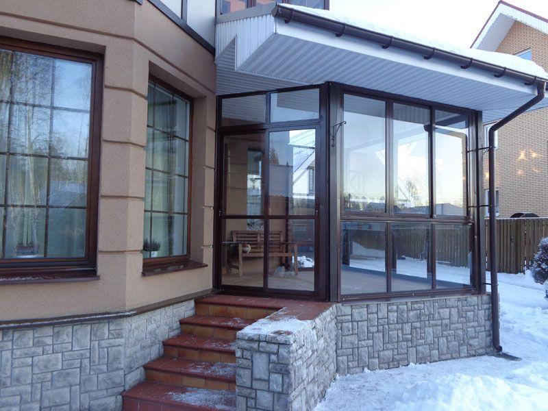 витражные окна в частном доме фото исполнено