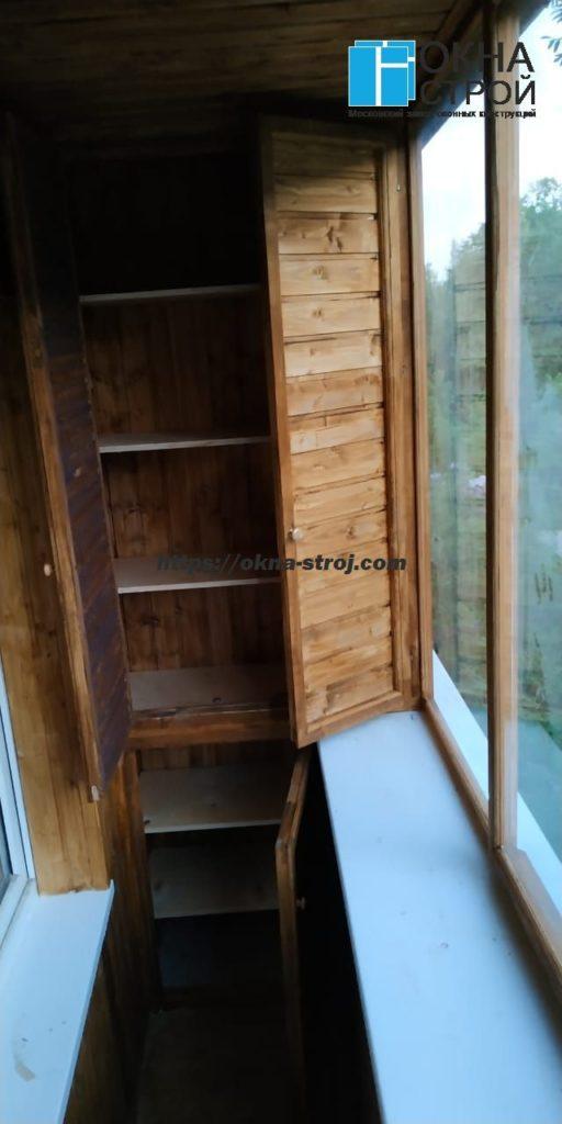 Шкаф на балкон деревянный