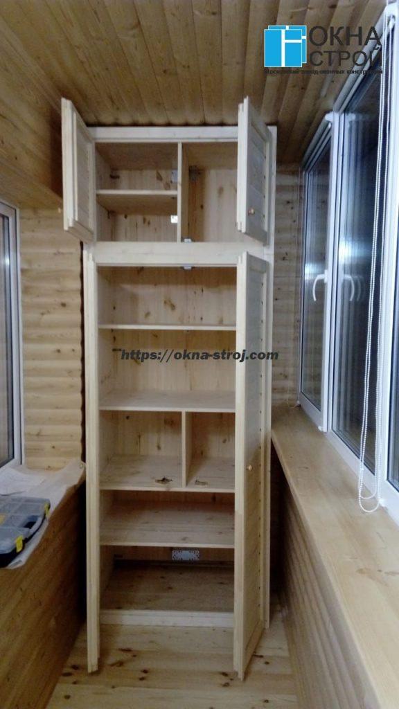 Шкаф деревянный на балкон