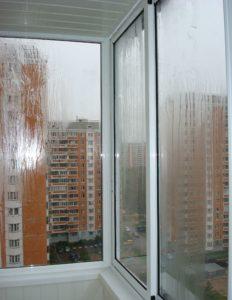 Нарушена технология монтажа крыши, протекает вода внутрь балкона